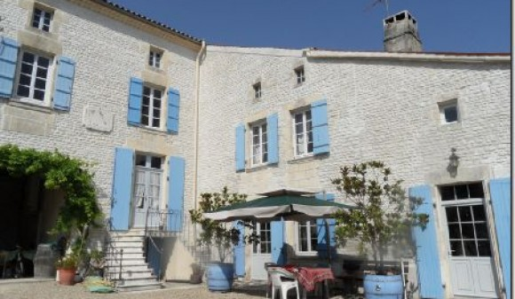For Sale - House with gite(s) - matha