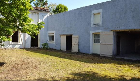 Bien à vendre - Maison de bourg - villeneuve-la-comtesse