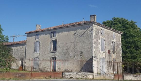 Bien à vendre - Maison - villeneuve-la-comtesse