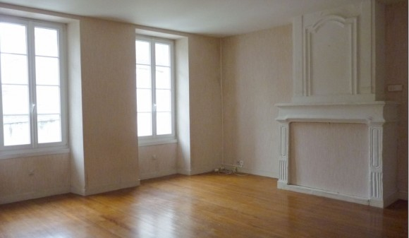 Renting - Apartment - st-jean-d-angely