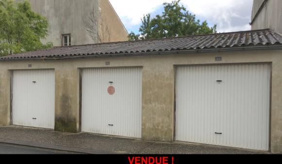 Bien à vendre - Garage / parking - st-jean-d-angely