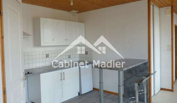 Location non meublée - Appartement - st-jean-d-angely
