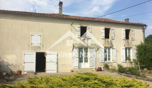 Bien à vendre - Maison de bourg - la-croix-comtesse