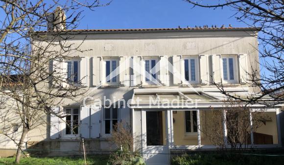 Bien à vendre - Maison de bourg - la-jarrie-audouin