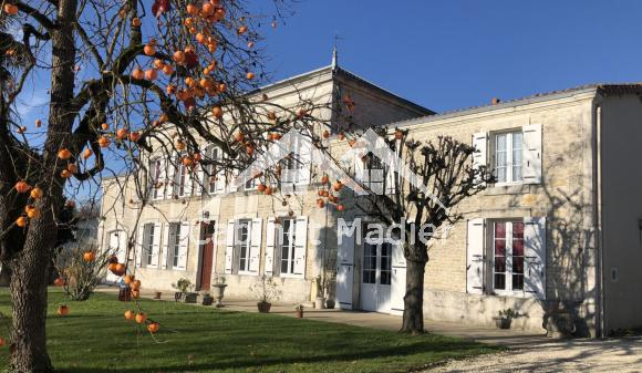 For Sale - Master's house - poursay-garnaud